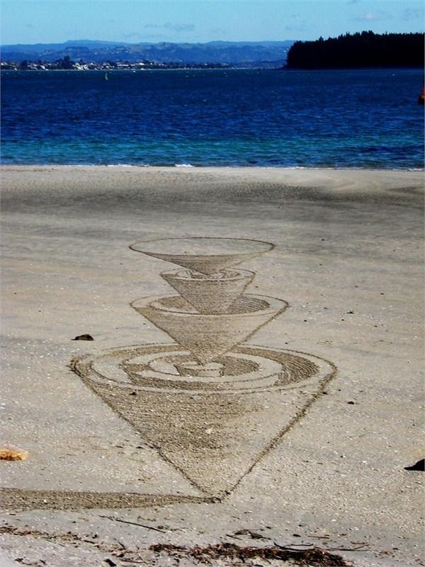 ·新西兰艺术家杰米·哈金斯(Jamie Harkins)转瞬即逝的惊艳震撼3D沙滩艺术画 - 冬日暖陽 - 缘来如此心动