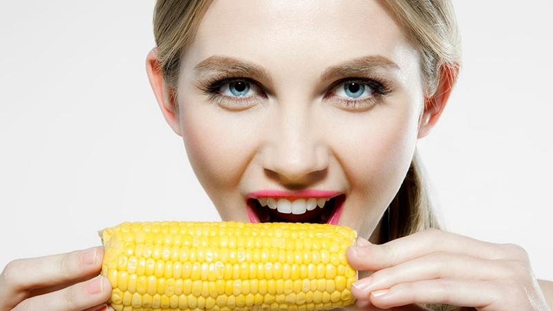 街头的煮玉米为何这么香?的头图