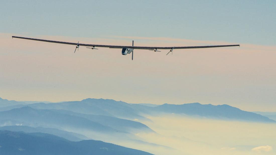 最大太阳能飞机:25天环游世界?的头图