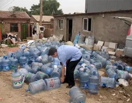 合格的桶装水就可以放心喝吗?
